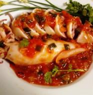 Mực nhồi thịt sốt cà chua cực ngon